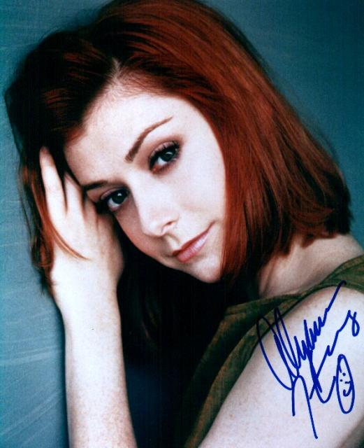 Alyson Hannigan 1 (10x8)   Excellent Signature.