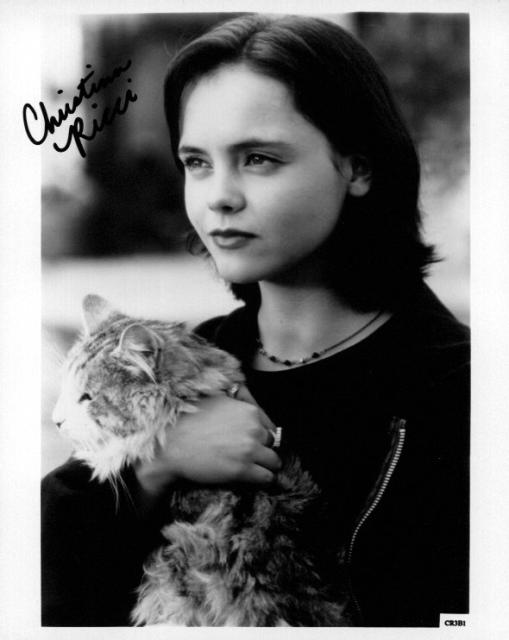 Christina Ricci 1 (10x8)   Excellent Signature.