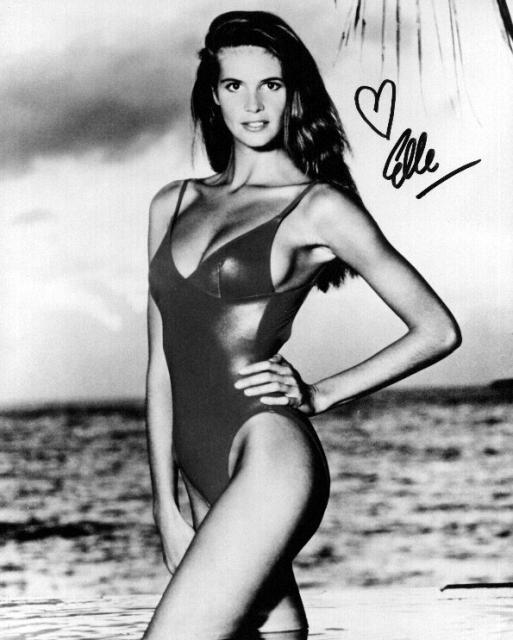 Elle McPherson 2 (10x8)   Excellent Signature.