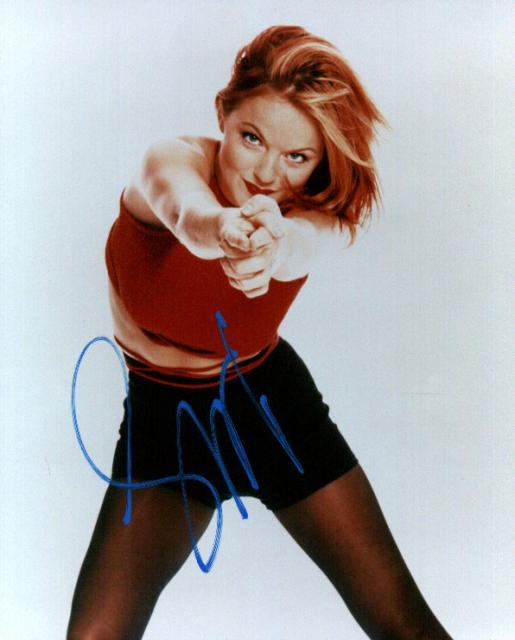 Geri Halliwell 1 (10x8)   Excellent (Light Blue) Signature.