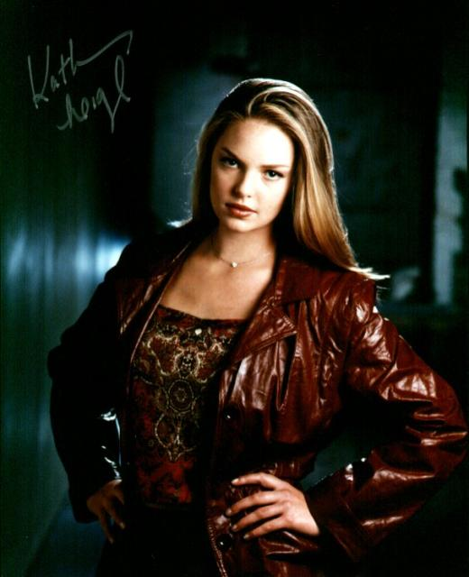 Katherine Heigl 1 (10x8)   Slight lift on Signature.