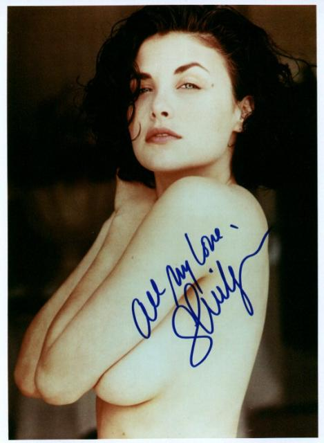 Sherilyn Fenn 1 (10x8)   Lots of bad lifting on this Signature.