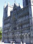 This is the famous chatedral, at least the front part of it. The building is so huge I could not fit it into one photo.