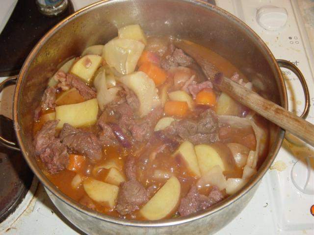 06: Add a pint of beef stock, or just hot water and OXO cubes or pretty much anything really.
